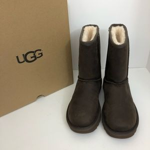 NWT UGG Classic Short Leather Boots Brownstone